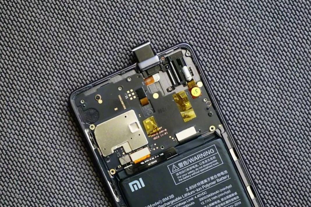 Выдвижной камеры уXiaomi MiMix 3 небудет